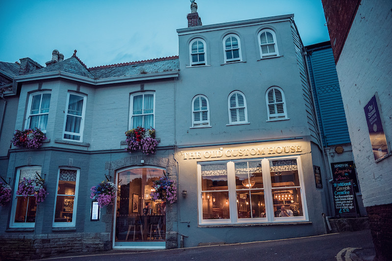 How to Travel to Padstow in Winter 2019/20 by Road, Rail, or Air