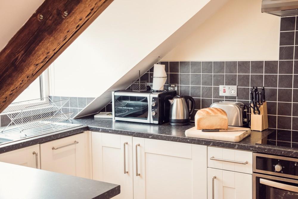 Dukes Retreat Kitchen - Padstow Breaks